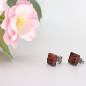 Wooden square earrings, Woodcraft by Owen. Pedddle.