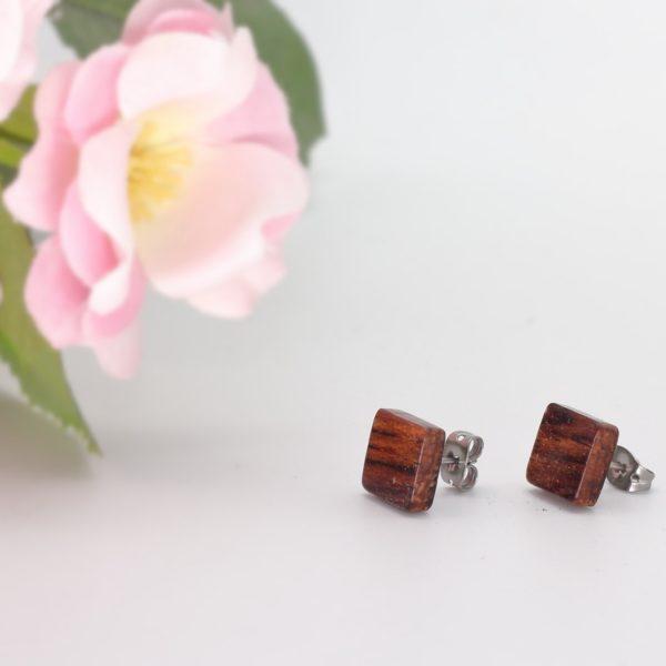 Wooden square earrings, Woodcraft by Owen. Pedddle.