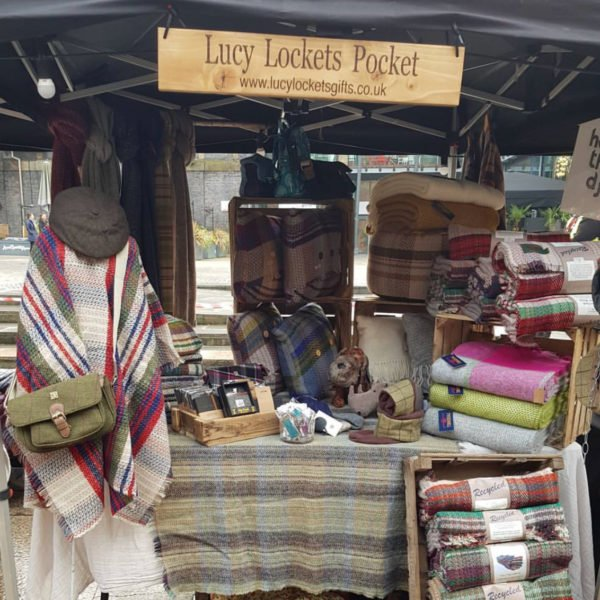 Lucy Lockets Pocket, Pedddle