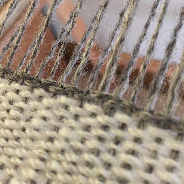 Royal Edge, Pedddle, weaving wool