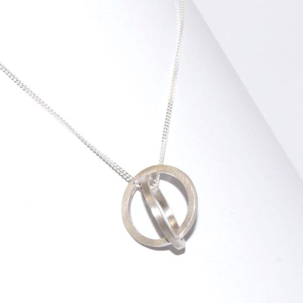 iluna designs, silver ellipse pendant and chain
