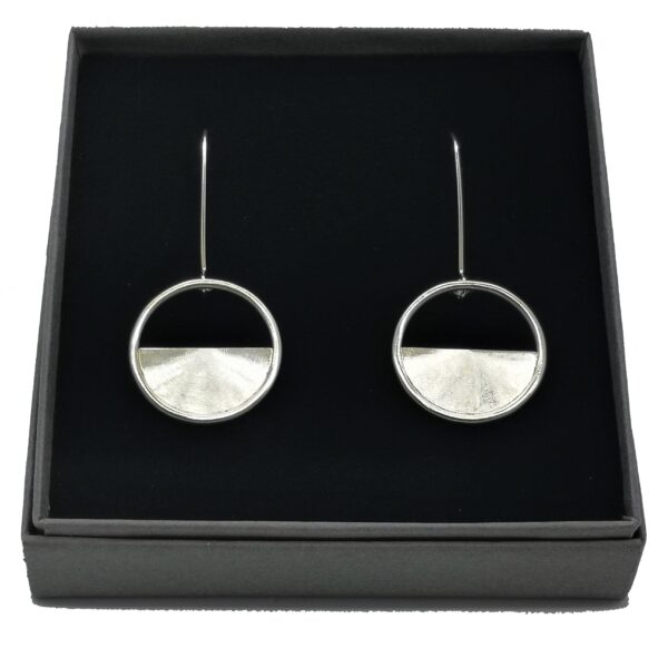 iluna designs, Horizon Earrings, Sterling Silver, approx 1.8 cm design with a satin and turned finish which catches the light