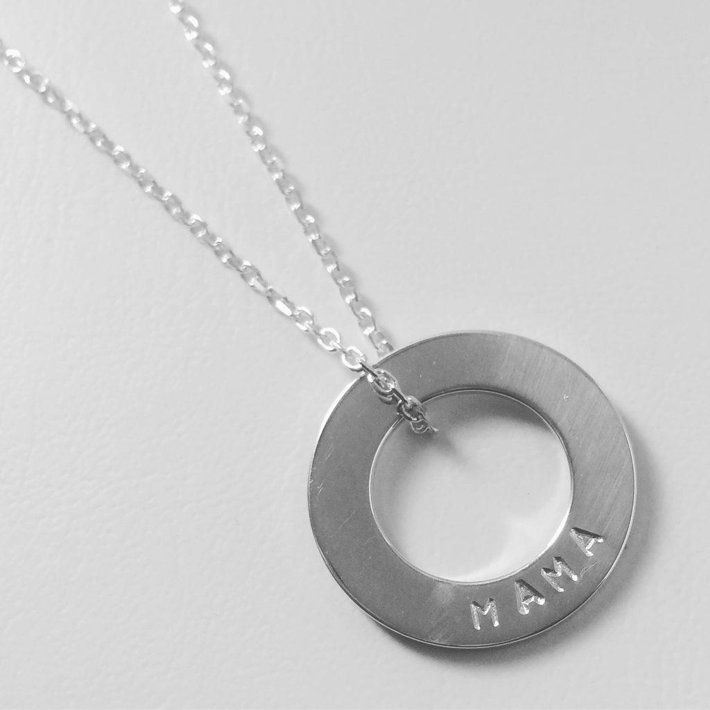 The keepsake. Mama necklace. Pedddle