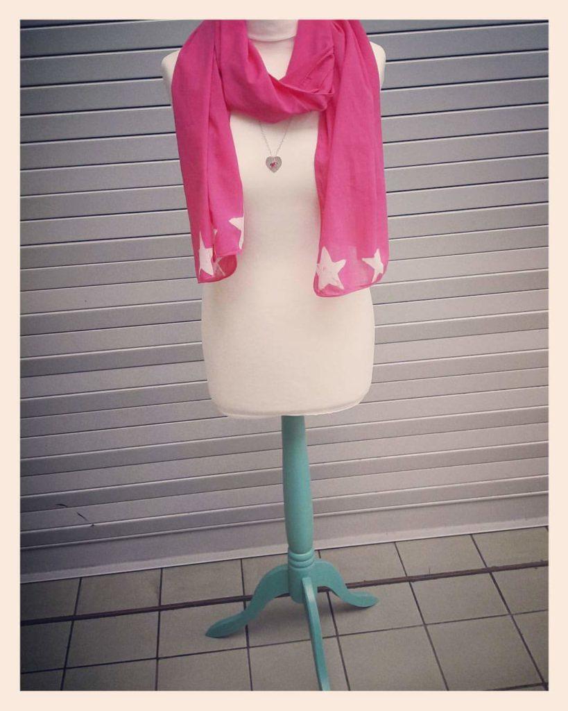 DoodleRocks scarf. Pedddle.