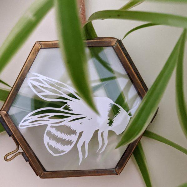 bumble bee papercut