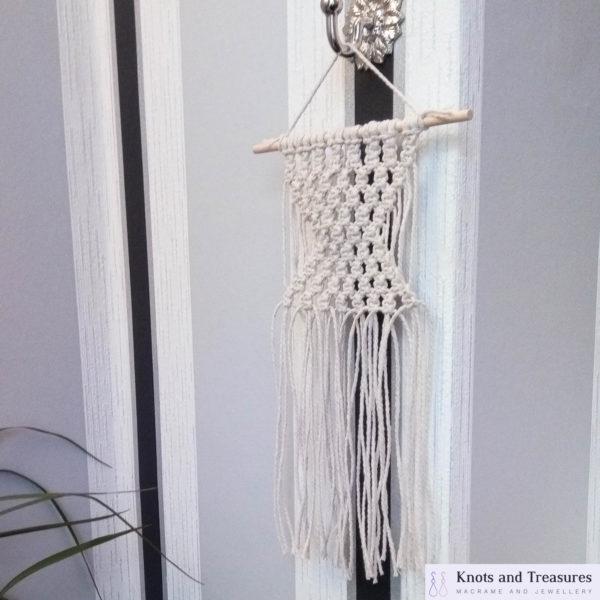 Knots and Treasures, Mini Macrame Wall Hanging