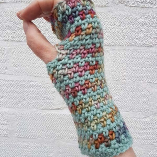 Daisy Dumpling, Fingerless Gloves