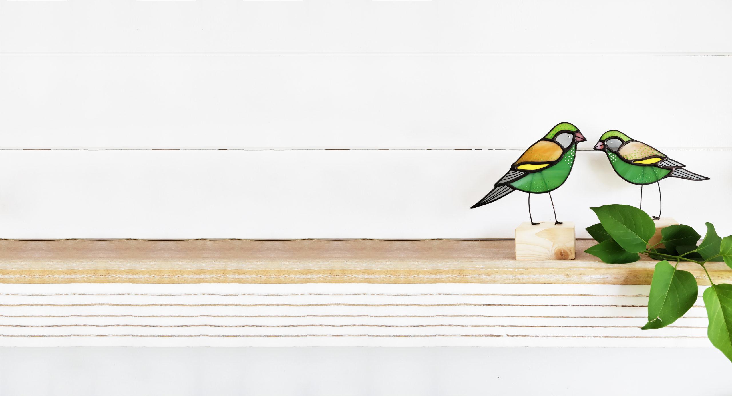 Greenfinch Glass Birds by Jenny Newall Glass, Pedddle