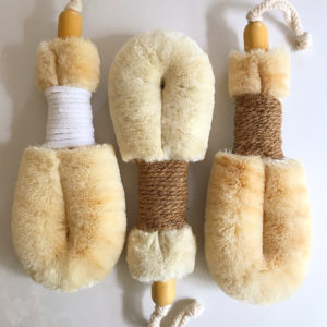 Quality natural body brushes with soft jute and cactus fibres - ELYTRUM
