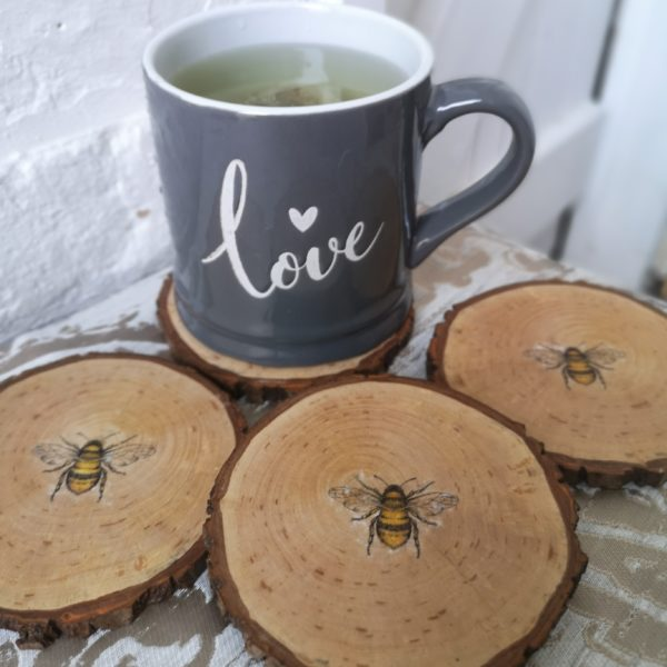 Ivy Upcycling, Wooden Bark Bee decoration Coasters