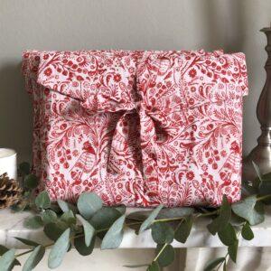 Christmas Fabric Gift Wrap/Foreverwraps.co.uk