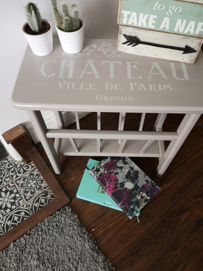 Ivy Upcycling, Upcycled Light grey stencilled magazine rack table