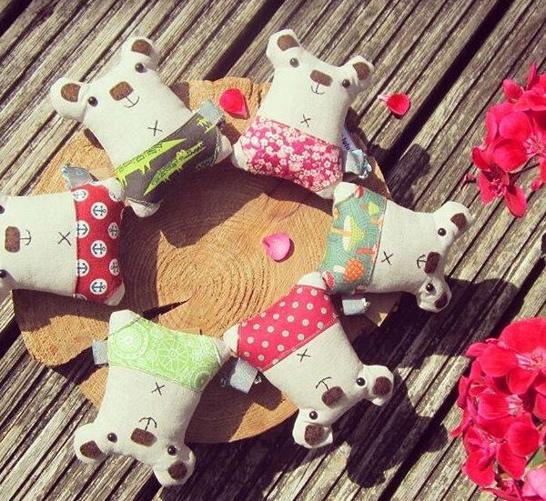 small linen bears