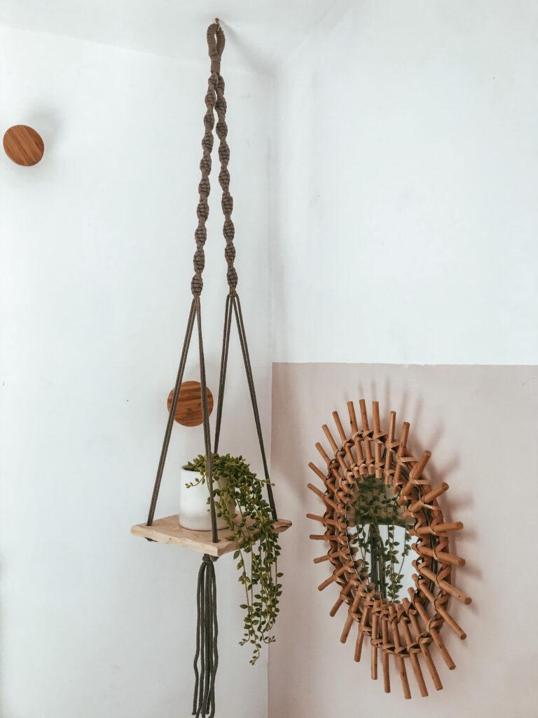 No16 Interior - Wooden Plant Hanger in Mocha