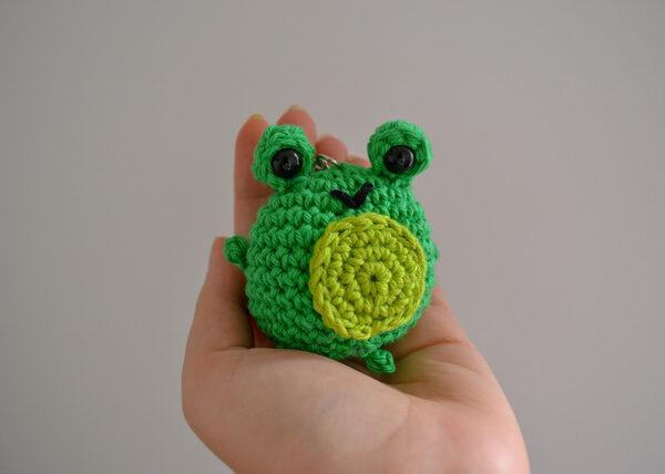 Little Smidge of Happiness, cute crochet frog keyring