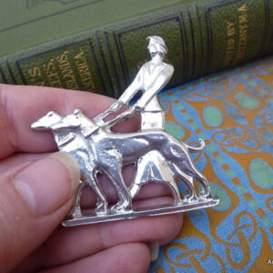 Archives Crafts Art-deco-brooch-lady-and-dogs