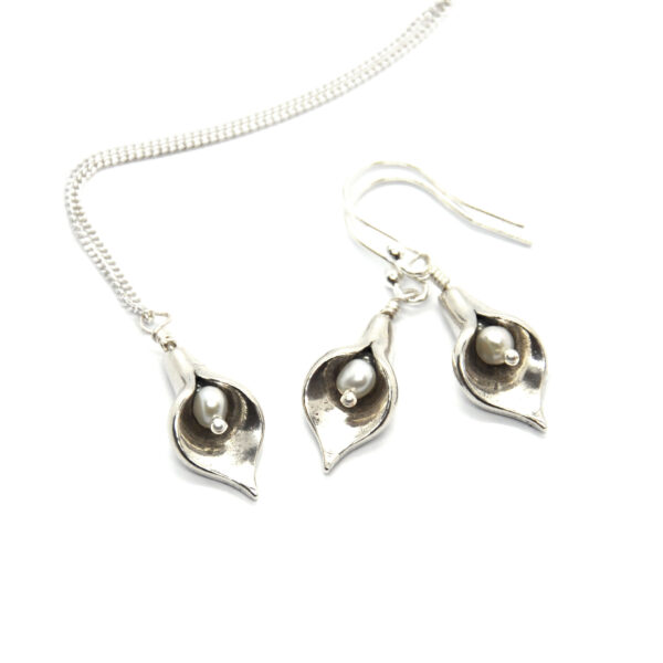 Silver arum lily flower pendant and drop earrings with freshwater pearls Mijoux Creations