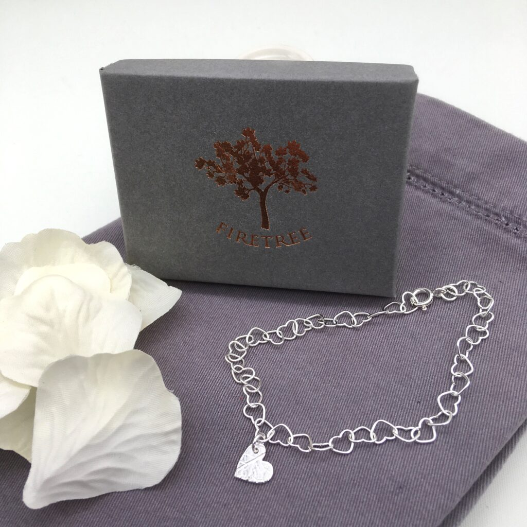 Firetree, Heart link silver bracelet with handmade heart charm. Adjustable.