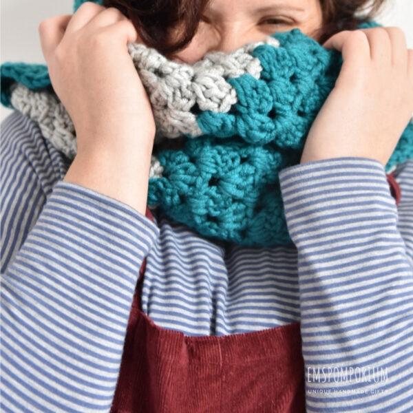 Crochet scarf, Emspomporium, Scarf, Girl with Scarf, green and grey scarf, Crochet scarf