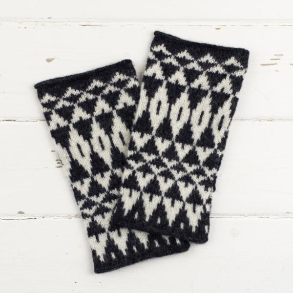 Miss Knit Nat wristwarmers