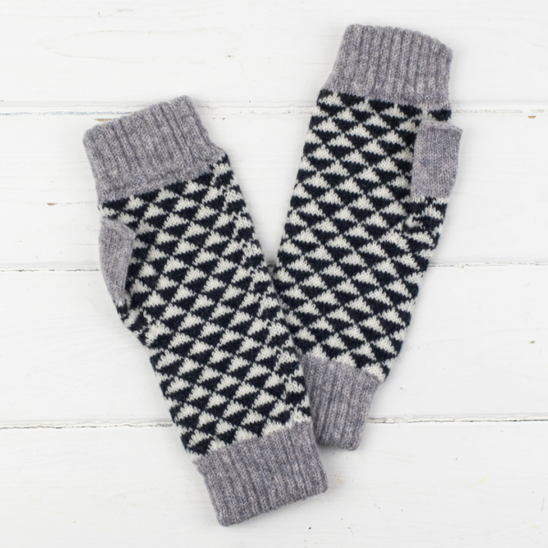 Miss Knit Nat fingerless mitts