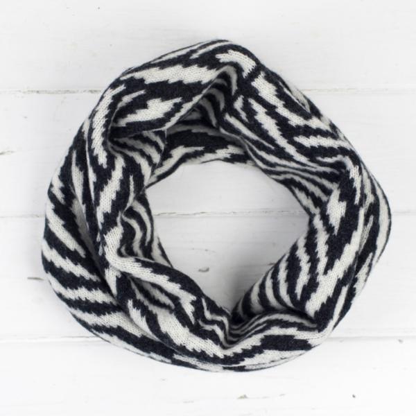 Miss Knit Nat cowl