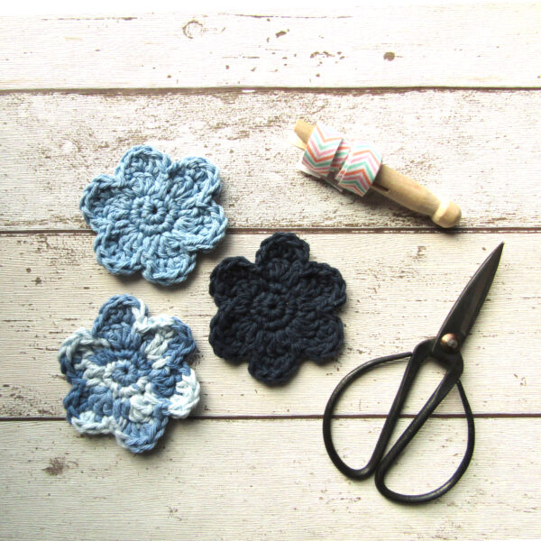 Pack of three reusable make-up pads