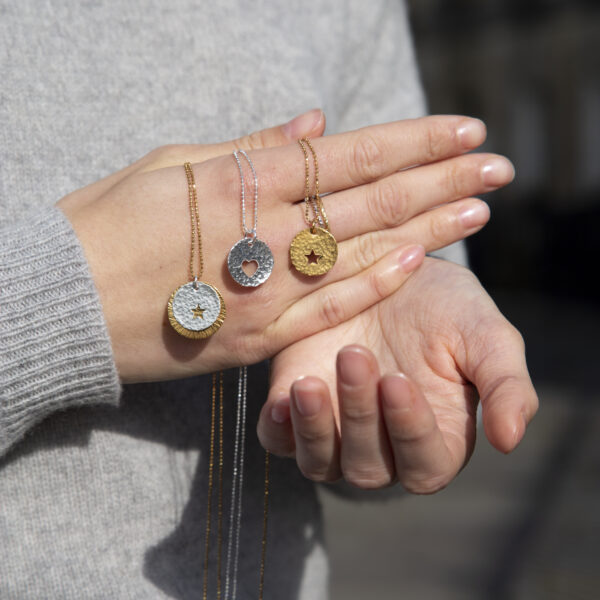 Peek a boo necklaces Design Vaults