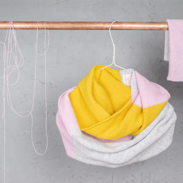 Lyndsey Currie - Knitted accessories.