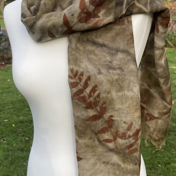 Wool scarf printed with eucalyptus