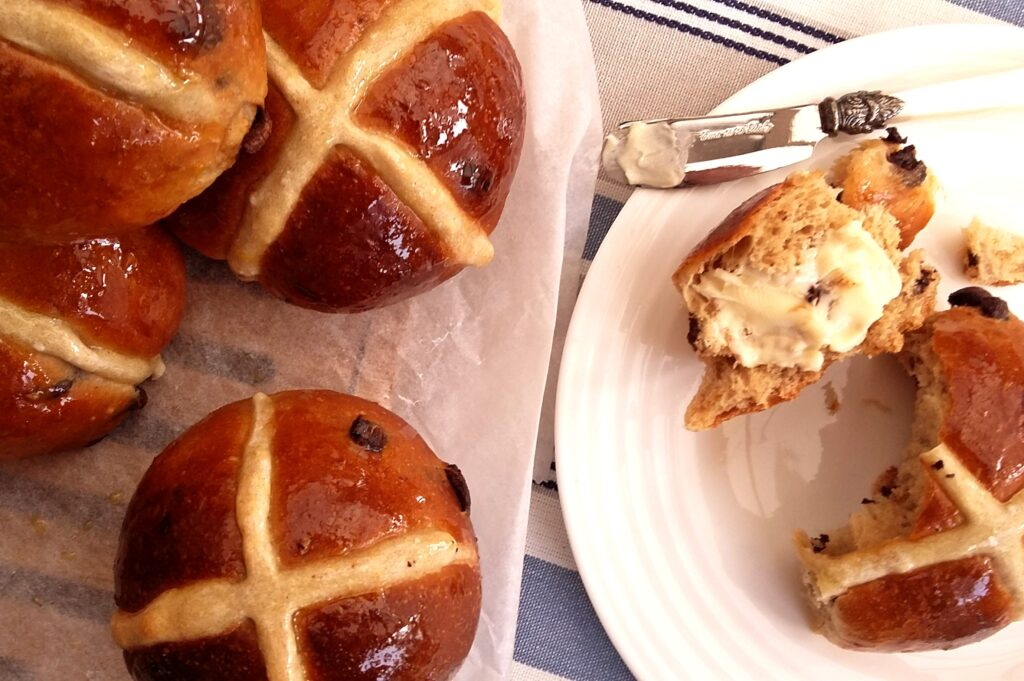 The Epsom Bakehouse hot cross buns online class product