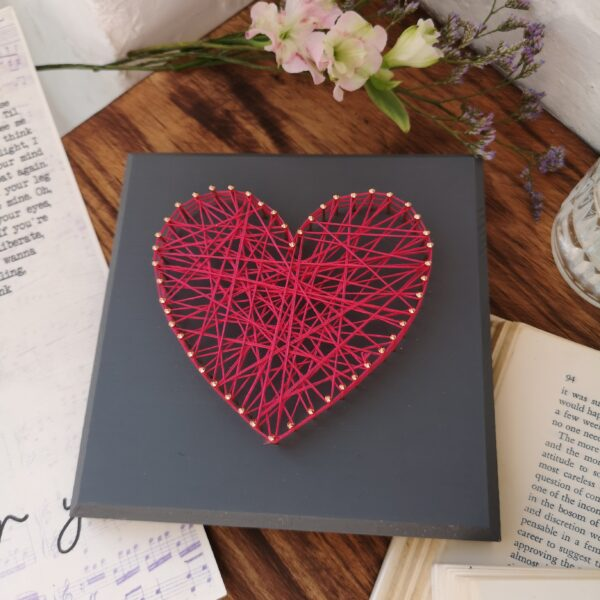 Ivy Upcycling String Heart Dark Pink String with copper pins on Dark Grey square plaque