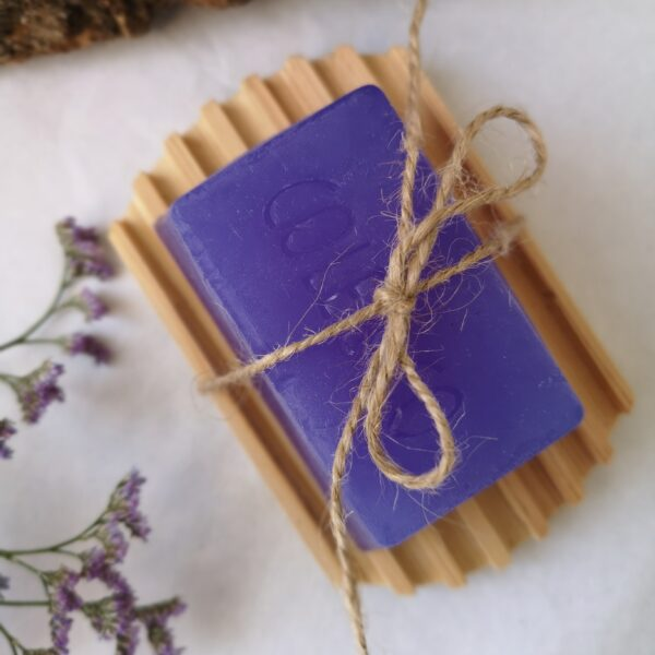 Ivy Upcycling Sustainable Wooden Soap Tray with Handmade soap from Cole & Co