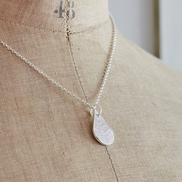 Little Red Hen recycled silver teardrop pendant with leaf patttern