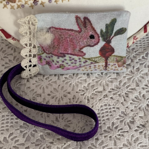 Atelier Holland Bunny with Beetroot Lavender Sachet/ Scissor Keeper
