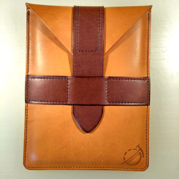 Oliver Foulds, Kindle sleeve in tan and dark brown leather