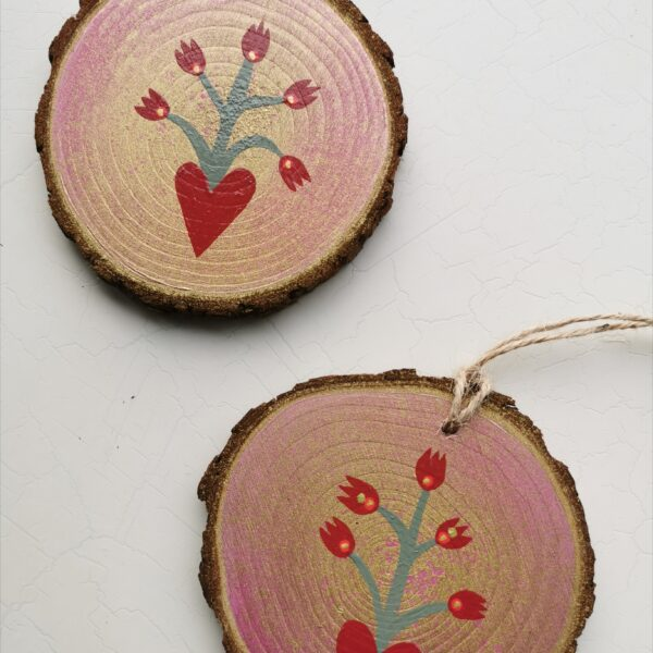 Mexican Heart inspired red and pink shimmer wood slice art. Pedddle.