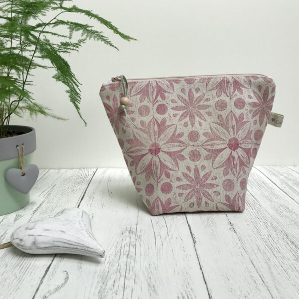 Cushie Doo Textiles Linen Wash Bag Soft Raspberry