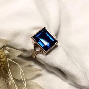 Sapphire split shank rose gold ring