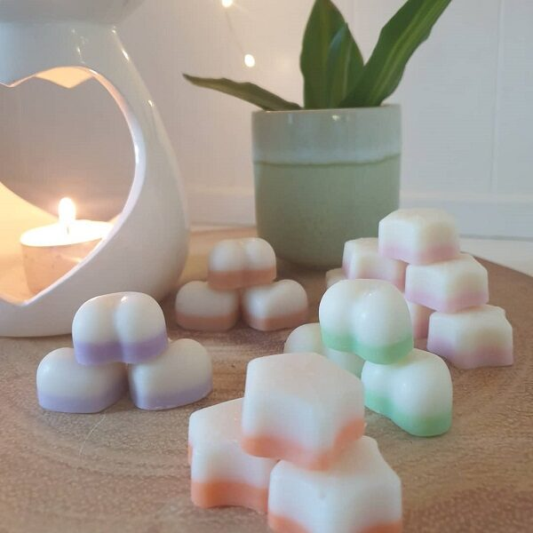 Saint & Green highly scented melts - pack of 8 per scent in a biodegradable glassine bag