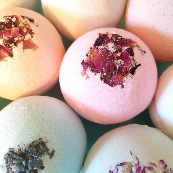 Saint & Green scented bath bombs with dried botanicals. Each bath bomb is individually wrapped.